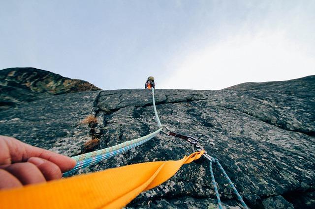 cómo hacer la escalada deportiva